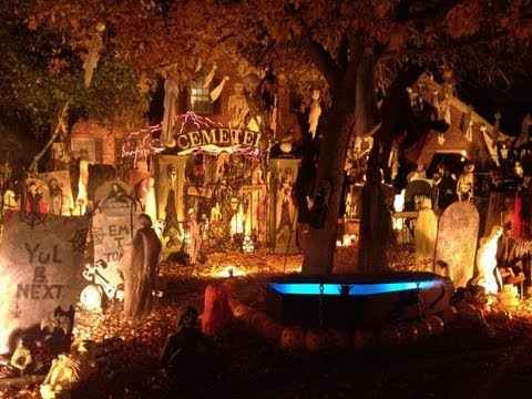 while most people decorate for halloween and put spider webs pumpkins and witches on their front porch one illinois home is going all out with lights - Halloween Lights Thriller